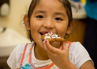 cookie-decorating-kindergarten-24